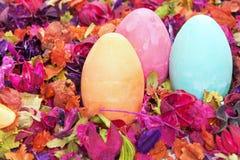 Oeufs de pâques décoratifs Photos stock