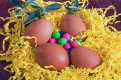 Oeufs de pâques décoratifs image stock