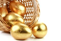 Oeufs de pâques d'or Images libres de droits