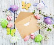 Oeufs de pâques et carte de voeux Image libre de droits