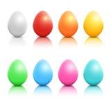 Oeufs de pâques réalistes colorés de vecteur réglés Images libres de droits
