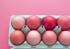 Oeufs de pâques roses Pâques Couleurs pastel Nuances de rose Fond rose Photo libre de droits