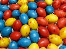 Oeufs de sucrerie colorés Photographie stock libre de droits