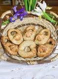 Oeufs faits maison de cuddure de butées toriques de Pâques en Sicile Image stock