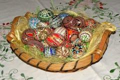 Oeufs peints dans le temps de Pâques Images libres de droits