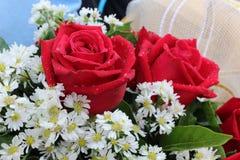 Oeufs rouges Valentine de bouquet de fleur Photo libre de droits