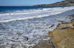 Oever bij Beken en Eiken Straatstrand in Laguna Beach, Californië royalty-vrije stock foto