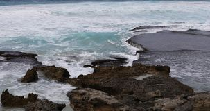 Oever door Kangoeroeeiland, Australi? 4K stock footage