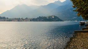 Oever van het meer van Bergamo in Italië tijdens Daling Royalty-vrije Stock Foto
