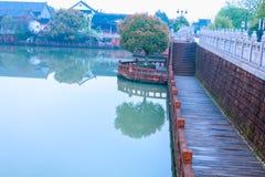Oever van het meer weg-Nan-Tchang Mei Lake Scenic Area Royalty-vrije Stock Fotografie