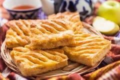 Oezbekistaans nationaal voedsel op traditionele stoffenadras royalty-vrije stock afbeelding