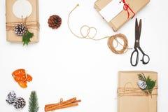 Ofício e caixas de presente atuais feitos a mão Imagens de Stock