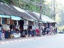 ofícios do estilo de vida, lembrança projetada que vende a borda da estrada no TRIÂNGULO DOURADO TAILÂNDIA Foto de Stock Royalty Free