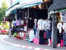 ofícios do estilo de vida, lembrança projetada que vende a borda da estrada no TRIÂNGULO DOURADO TAILÂNDIA Imagens de Stock Royalty Free