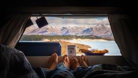 Oförglömlig frukost på Pukaki royaltyfri foto