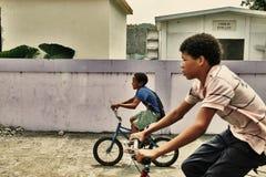 oförsiktig barndom Fotografering för Bildbyråer