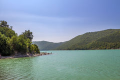 Ofbeautiful sjö för trevlig sikt Royaltyfri Bild