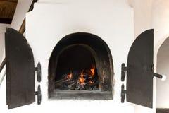Ofen mit Feuer Lizenzfreies Stockbild