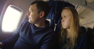 Ofensa y paz en el avión metrajes