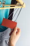 Oferta de la ropa de la etiqueta Imagen de archivo libre de regalías