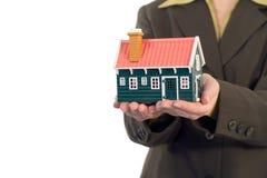 Oferta de las propiedades inmobiliarias con el copyspace fotografía de archivo