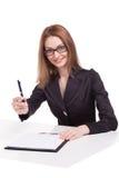 Oferta de sorriso do gerente da mulher para assinar um original importante Imagens de Stock Royalty Free
