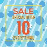 Oferta especial el 10 por ciento en burbujas y rayas azules coloridas Fotos de archivo
