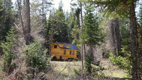 Free Off Grid Tiny House In The Mountains Royalty Free Stock Photos - 105847228