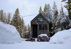 Off grid tiny house in the mountains Stock Photo