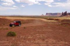 Off-road no vale do monumento Imagens de Stock Royalty Free
