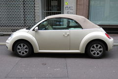 Off white Volkswagen New Beetle cabrio Royalty Free Stock Photos