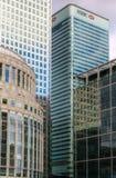 Offcie capo di HSBC in molo color giallo canarino Fotografia Stock Libera da Diritti
