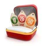 Offene Geschenkbox mit Rabattaufklebern Verkauf 10%, 25%, 50% weg Lizenzfreie Stockfotos