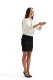 Offene Palmen der Geschäftsfrauholding Lizenzfreie Stockfotografie