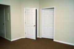Offene Türen Stockbild