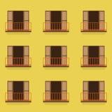 Offene Türen mit Balkon-Weinlese-Art Lizenzfreie Stockfotos
