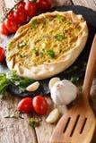 Offene Tortennahaufnahme und -bestandteile der Gemüsekartoffel vertikal stockbilder