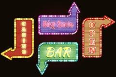 Offener, großer Verkauf, Kasino, halten Retro- Leuchtreklamen ab Stockfotografie