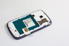 Offener Rücken des modernen Telefons lizenzfreies stockfoto
