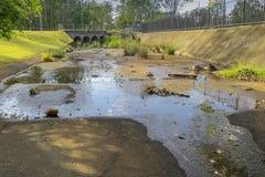 Offener Regenwasserabfluß in Ipswich Queensland Stockfotografie