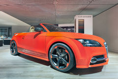 Offener Tourenwagen Audis TTS in einem Ausstellungsraum in Peking, China lizenzfreie stockfotografie