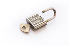 Offener Verschluss mit Schlüssel Lizenzfreie Stockfotografie