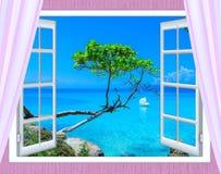 Ein Offenes Fenster Auf Dem Meer Stockfoto - Bild: 67305225