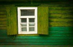 Offenes hölzernes Fenster der alten Weinlese Lizenzfreie Stockbilder