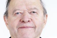 Offenes Porträt des älteren Mannes Stockfotografie