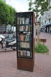 Offentlig bokhylla i Frankfurt Royaltyfri Bild