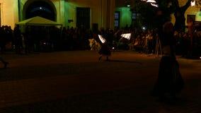 Offentlig brandshow som organiseras i Timisoara, Rumänien 4 lager videofilmer