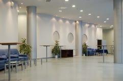offentlig byggnadskorridor Royaltyfria Bilder