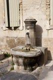 Offentlig springbrunn för gammal sten Royaltyfri Fotografi