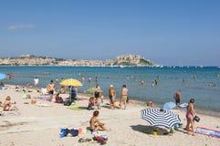 Offentlig strand Calvi Arkivbild